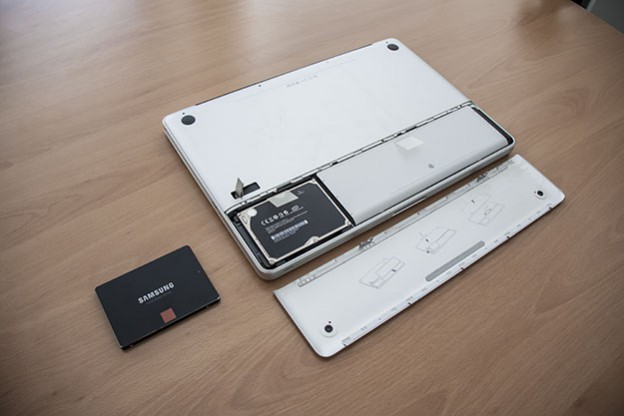 Photo tutorial: Upgrading a MacBook Pro with an SSD